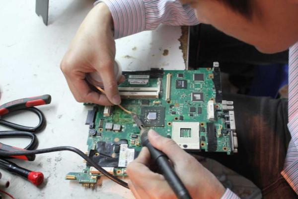 Nên sửa Laptop tại TP Vinh Nghệ An uy tín chuyên nghiệp ở đâu?