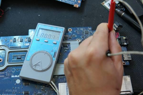 Sửa lỗi Dell Alienware M14x R13 Main ẩm, chập nguồn